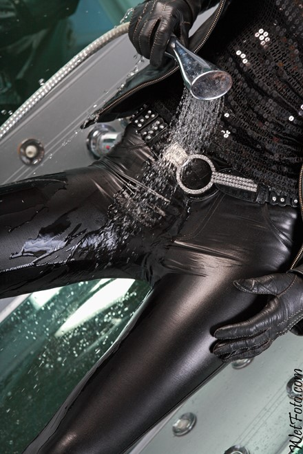 wet girl get wet fully clothed leather jacket leggings gloves tights high heels jacuzzi bath