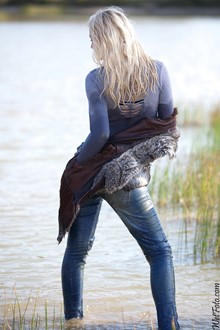 #202 - Wetlook by Blonde in Fair Vest, Tight jeans and High Heels on the Lake