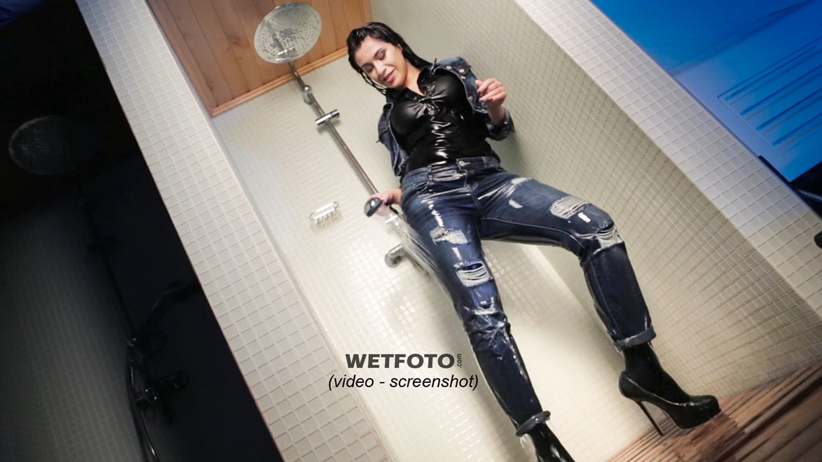 photos wet girl wet hair jeans jacket denim tights high heels jacuzzi