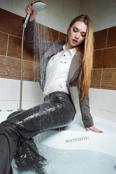 wetfoto wetlook sexy blonde girl in business suit get soaking wet bath