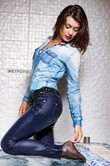 #461 - Underwater Shooting with Young Lady in Completely Wet Jeans