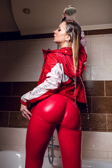 wetfoto wetlook girl red clothes get completely wet bath