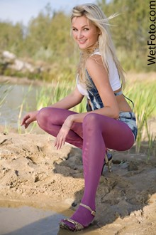 #89 - Hot Girl in Denim Shorts, Violet Stockings and Shoes Get Fully Wey on Lake