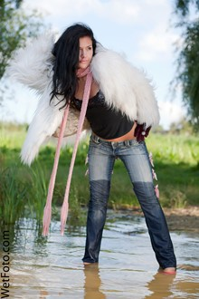 #130 - Wetlook by Brunette Girl in Fur Coat, Tight Jeans, Scarf and Shoes on Lake