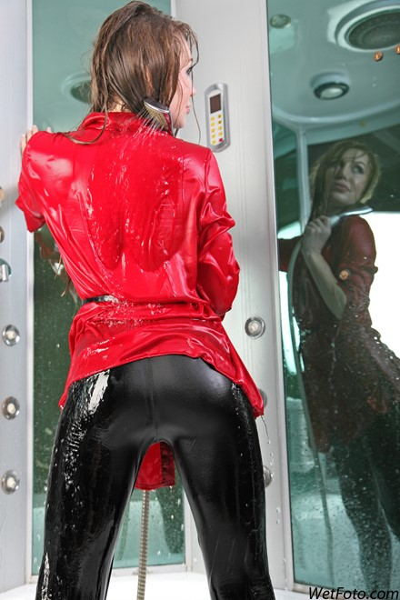 wet girl get wet wet hair fully clothed coat leggings tights leather gloves shower