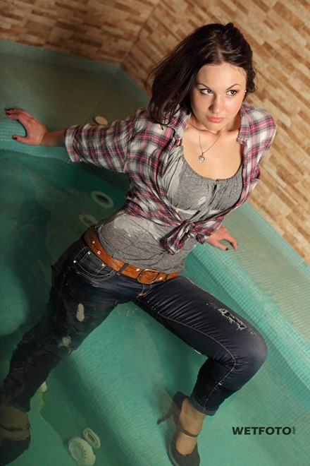 wet girl get wet shirt t-shirt jeans shoes fully clothed jacuzzi