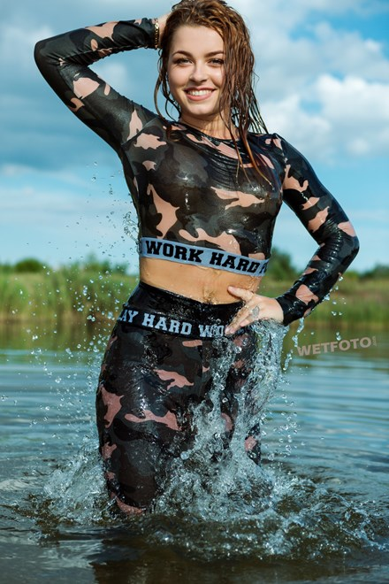 wetfoto wetlook flexible girl wet tight gym suit swim lake