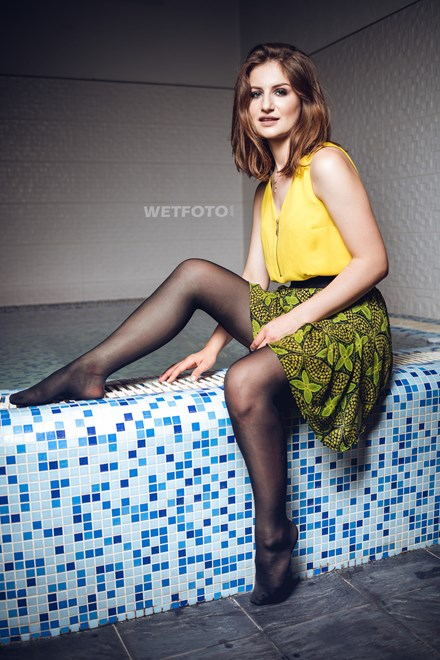 wetfoto wetlook fully clothed girl skirt pantyhose swims pool