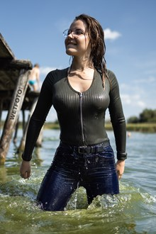 #520 - Cool Wetlook on Public Beach with Beautiful Girl in Skinny Jeans and Sneakers