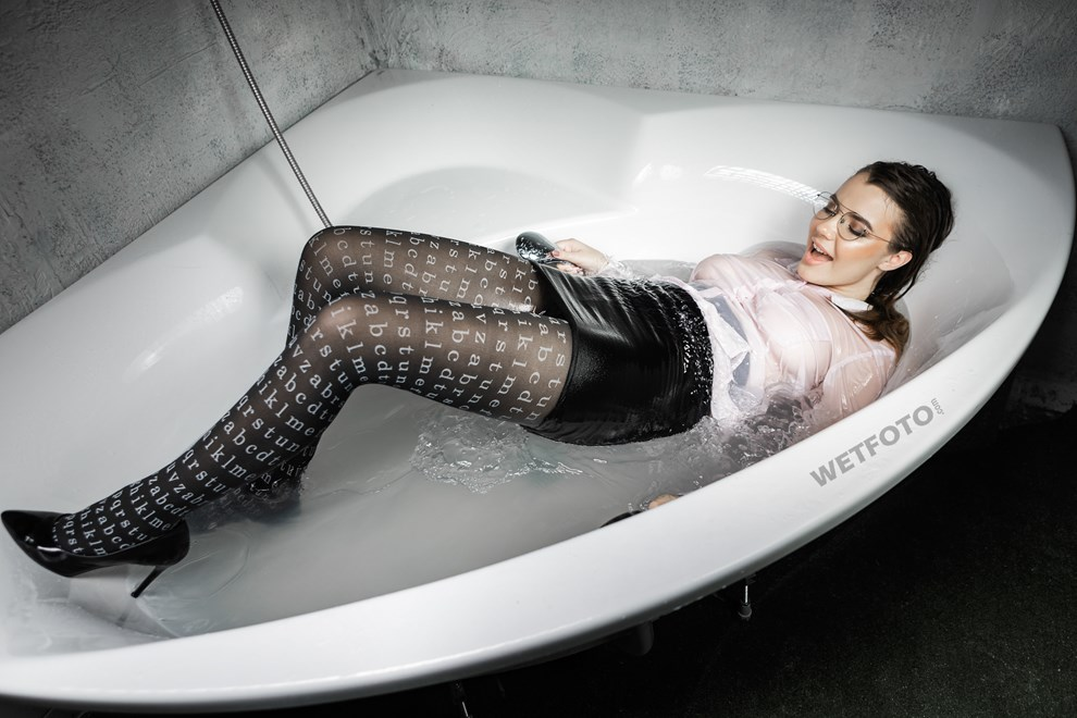 girl takes bath get wet sexy pantyhose shirt shoes