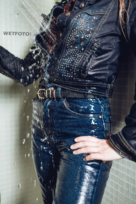 woman jeans wetlook jacket swimming pool wetfoto
