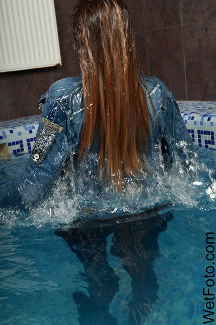wet girl get wet wet hair swim fully clothed jacket denim tight jeans tights shoes t-shirt jacuzzi